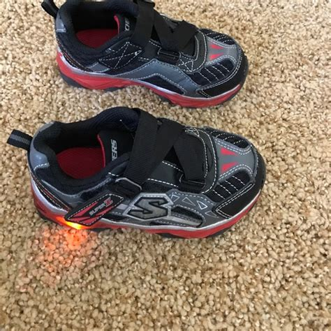 skechers womens light up shoes skechers light up skechers shoes boys size 8 from