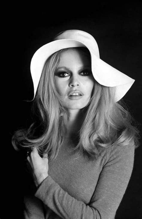 As 10 atrizes mais bonitas da história   Atrizes, Brigitte