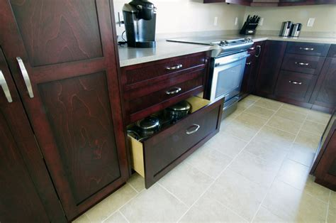 Wide Kitchen Drawers by Beautiful Maple Kitchen With Mahogany Stain So Much