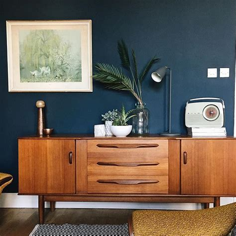 farrow and hague blue walls with a mid century