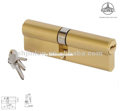 how to pick a bedroom lock unlock bathroom door with hole pick locks on doors how to