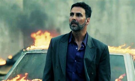 queen film review rajeev masand rajeev masand s movie review of airlift bookmyshow