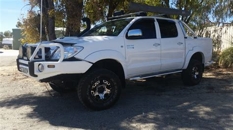 2009 Toyota Hilux Sr5 Review Loaded 4x4