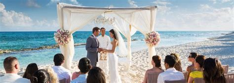 Exclusive Wedding Venues Abroad   Packages & Themes