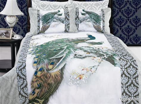 peacock bedding tavus kusu 6pc full queen size bedding ensemble an exotic image of a blue peacock on