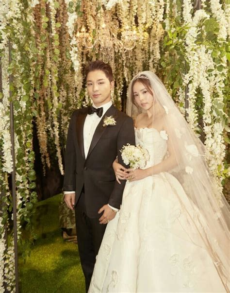 Wedding Dress Taeyang by Las Agencias De Taeyang Y Min Hyo Rin Lanzan Fotos