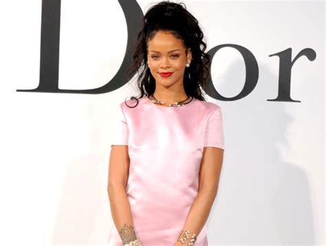 Rihanna Hitam rihanna jadi model kulit hitam pertama untuk iklan