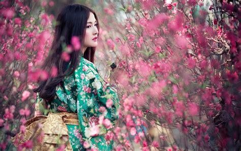 imagenes japonesas hd fondo de pantalla chica japonesa entre flores hd