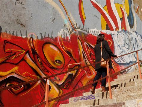 artista porteno indignado por graffiti en su mural es