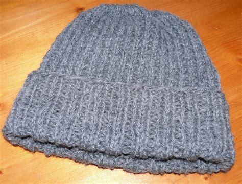 Modele Gratuit Bonnet Femme mod 232 le tricot bonnet femme gratuit
