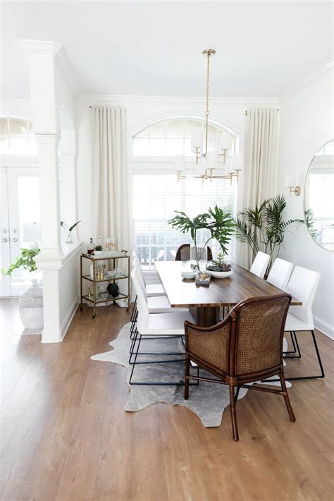Brown And White Dining Room by Shay Cochrane S Gorgeous Light Filled Florida Home Tour