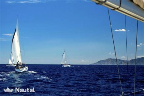 lade con telecomando noleggiare barca a vela beneteau cyclades 39 3 in port