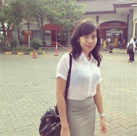 Foto Baju Wanita Transparan kumpulan foto transparan dr asri lintas berita
