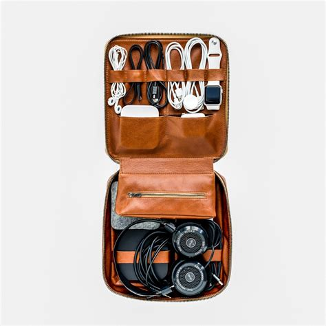 the best gifts for men who travel the travel sisters the 20 best holiday gift ideas for men who travel from