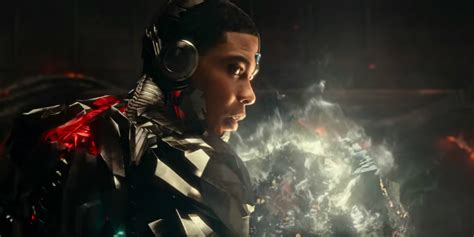 film animasi justice league cyborg opens boom tube in justice league video screen rant