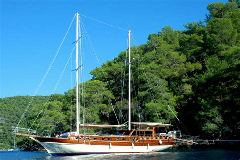 yacht greece yacht be happy greece yacht charters