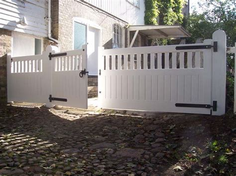 Driveway Gate Designs Wood Building A Driveway Gate For A Wood Fence Woodworking