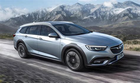 insignia 2017 country tourer new vauxhall insignia 2017 country tourer estate unveiled