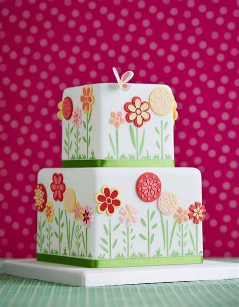 Flower Garden Cakes Flower Garden Cake Zoe Clark Lovely Cakes