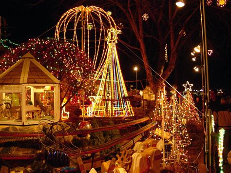 outdoor christmas lighting decoration ideas pictures and