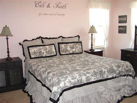 pink vintage bedroom pink and black vintage bedroom recipes home decor diy wellness