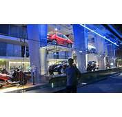 Auto Showrooms On The Champs Elys&233es