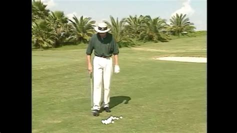youtube david leadbetter golf swing improve pitching with distance drill by david leadbetter