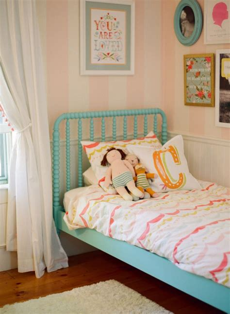 pink and white striped bedroom walls 17 best ideas about pink striped walls on pinterest