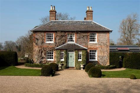 bucklebury middleton house bucklebury manor kate middleton s parents house http