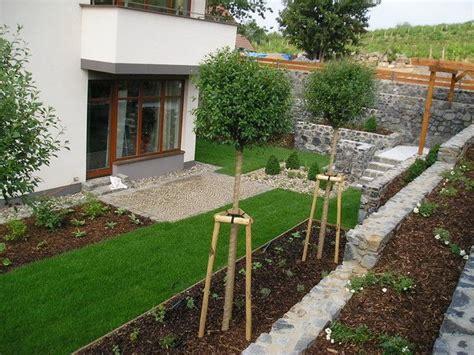 uredenje strmog dvorista garden arch outdoor structures