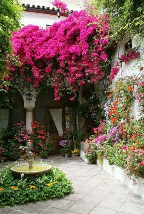 imagenes de jardines de flores hermosas imagenes de casas con jardines llenos de flores para fondo