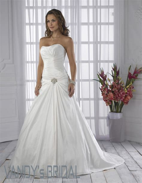 White Bridal Dresses by White Wedding Dresses For Traditional Brides