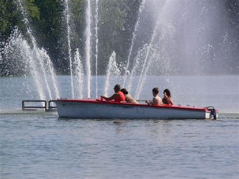 uitstappen roeiboot boot verhuur op het donkmeer berlare wattedoen be