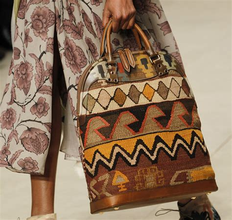 Burberry 2008 Handbags Runway Review by Burberry Fall 2014 Runway Bags 18 For Best Designer