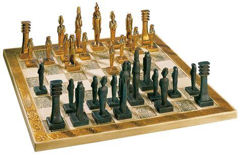 Set Alby Gamis Pashmina stunning design chess figurines board