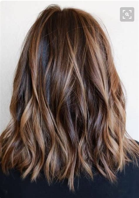 brunette hairstyle with lots of hilights for over 50 25 best ideas about brunette highlights summer on