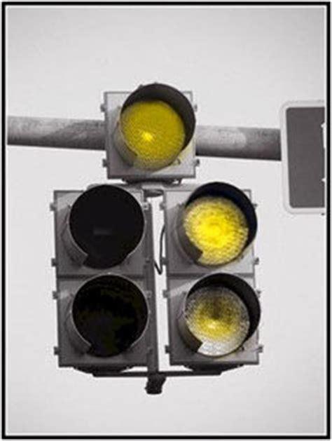 Color Blind Photos 红绿色盲遇到红绿灯该怎么办 红绿色盲开车遇到红绿灯怎么办