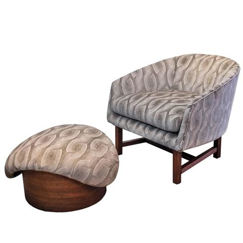 modern reading chair mid century modern reading chair and ottoman with walnut detailing for sale at 1stdibs