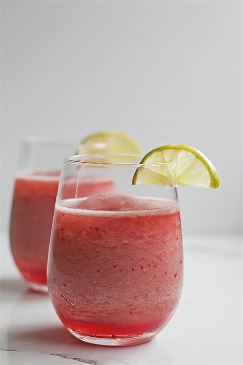 raspberry margarita recipe sparkling raspberry margarita cooks with cocktails