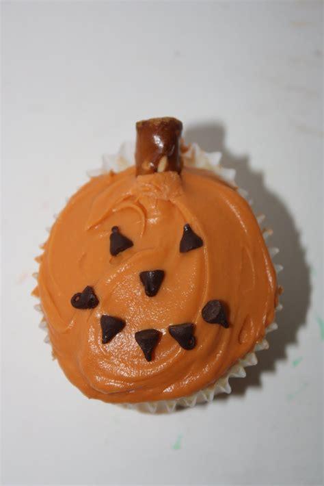 pumpkin cupcakes my food looks like a pumpkin happy home fairy