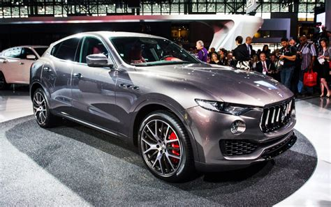 maserati jeep 2017 2017 maserati levante the suv that nobody saw coming