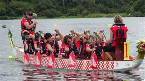 dragon boat racing tauranga abreast of life takes top spot at national dragon boating