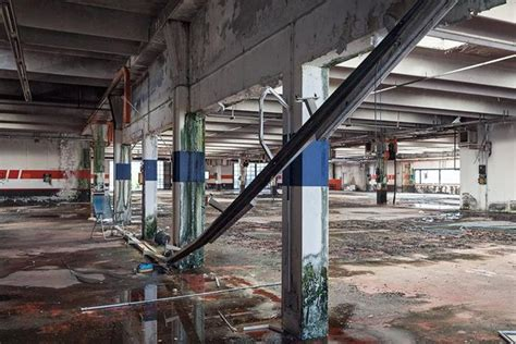 capannoni abbandonati i capannoni abbandonati corriere veneto