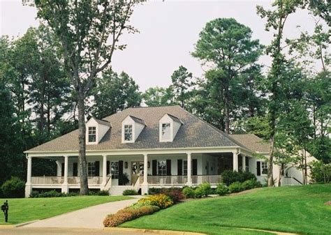 acadian style best 25 single story homes ideas on