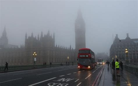 uk weather heavy rain  greet     driest