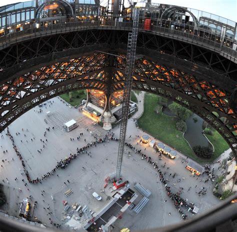 Lebenslauf Jahr Bis Heute Wahrzeichen Seit 126 Jahren Steht Der Eiffelturm In