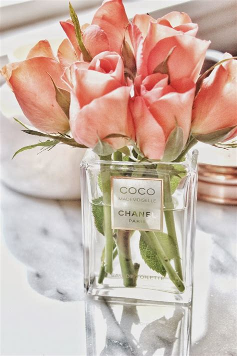 Small Glass Bud Vases A Bit Of Bees Knees Diy Chanel Vase