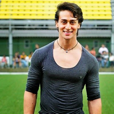 biography of tiger shroff tiger shroff biography wiki dob height weight sun