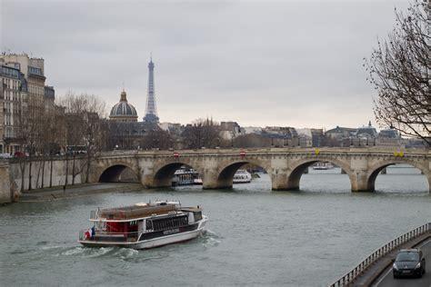 bateau mouche chatelet pont neuf