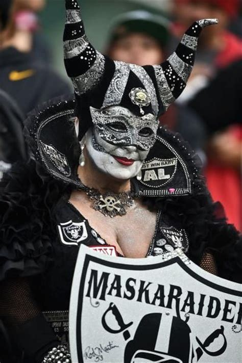 oakland raiders fan experience 17 best ideas about oakland raiders fans on